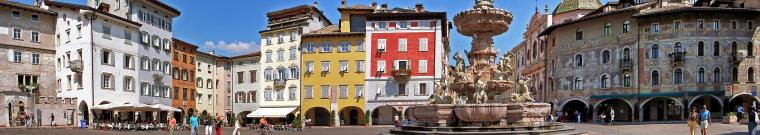 Immagine piazza Duomo a Trento