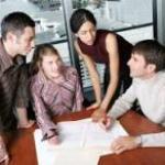 immagine di giovani al lavoro